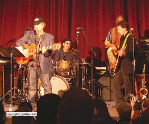 "Joe South: ""Walk A Mile In My Shoes"" with B. Purdie (drums), J. Jemmott (bass), J. Tiven (guitar). Photo by Phillip Rauls"